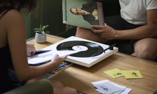 Tone Factory: piękny, minimalistyczny i niedrogi gramofon!